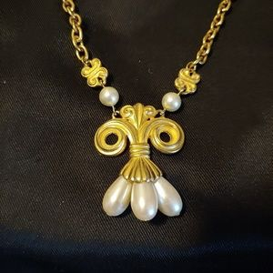 unknown Jewelry - Gold and Pearl Necklace